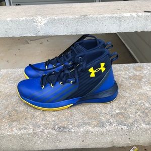 Boys Under Armour Shoes - barely worn